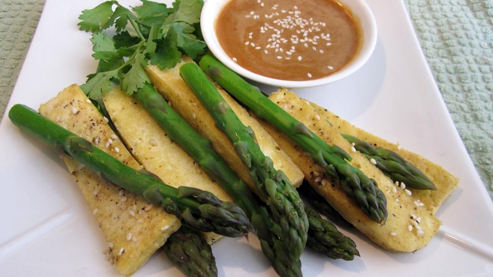 Vegan Asparagus & Tofu Strips w/ Peanut Dipping Sauce