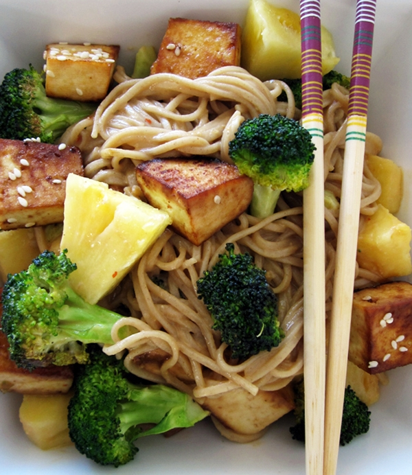Peanut Soba Noodles with Tofu, Broccoli & Pineapple - Vegan & Gluten-Free