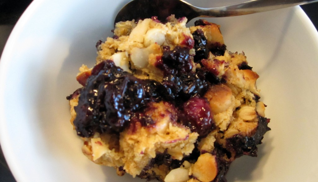 Vegan Blueberry Macadamia Crumble / Crisp
