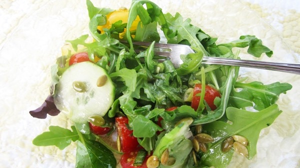 Arugula (Rocket) salad with lemon dressing