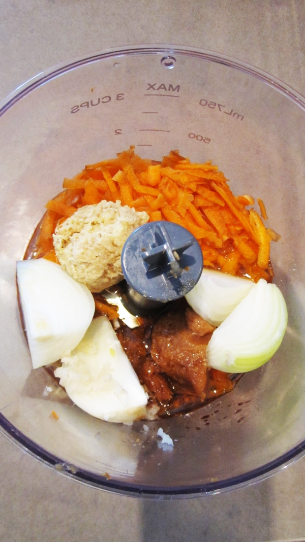 Hijiki Tofu Burgers & Carrot Ginger Dressing