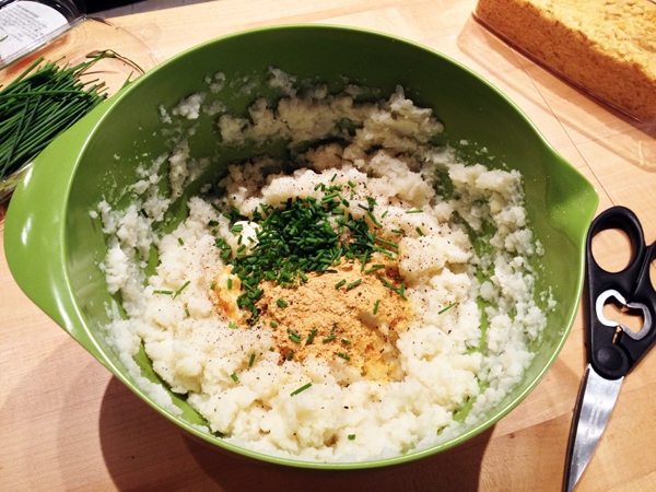 Mashed Cauliflower with Roasted Garlic and Chives